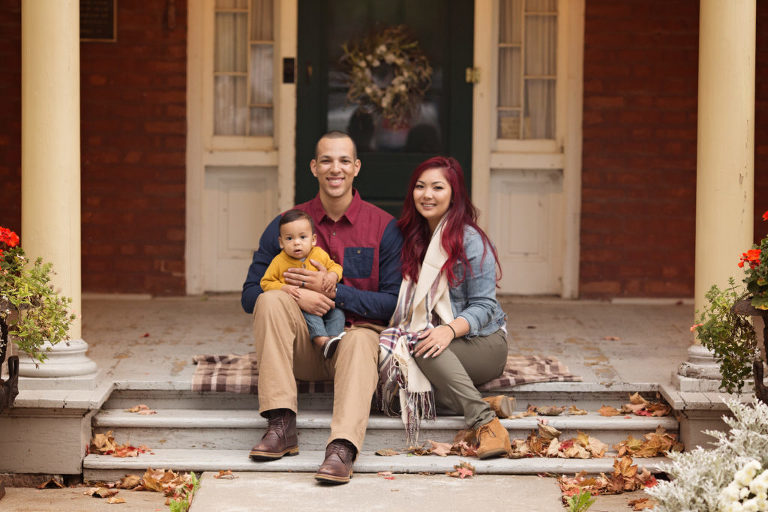 fall-family-portrait-session-oshawa-photographer-photography-leaves-smile-gta-toronto-durham