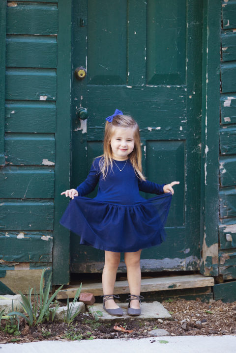 fall-family-portrait-session-oshawa-photographer-photography-dresses-girl-tutu-blue-toronto-durham-gta-fullbody