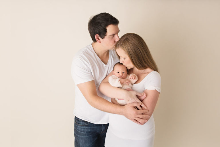 father-mother-baby-oshawa-toronto-photography-durhamregion